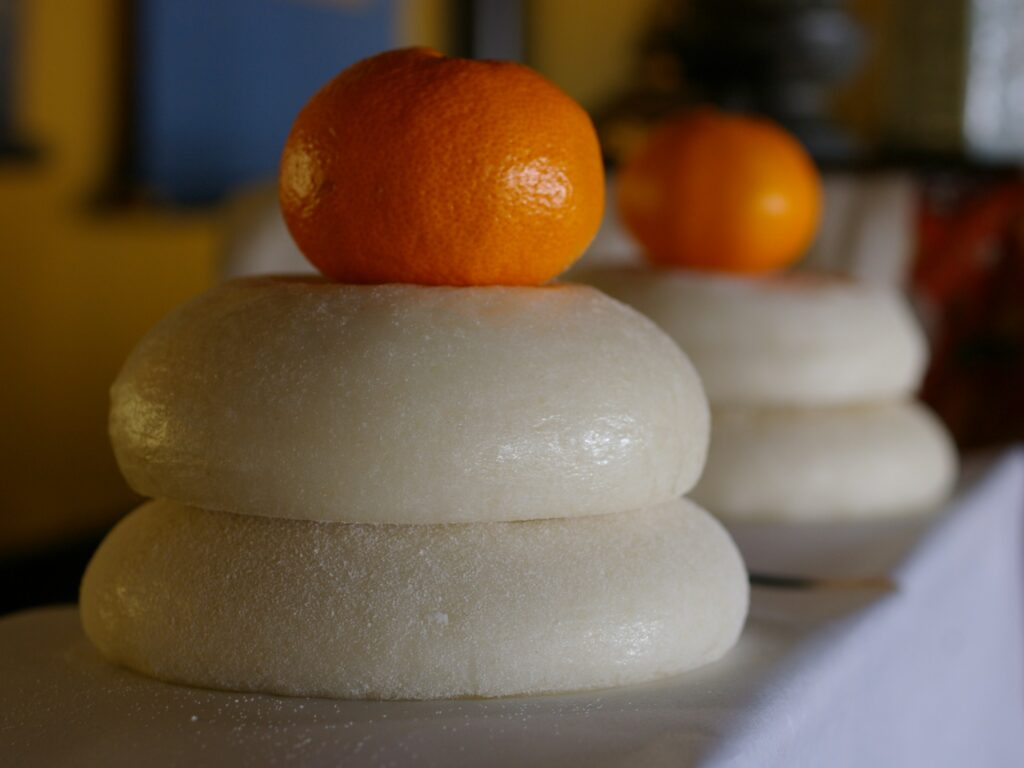 Kagami mochi is a traditional delicacy for New Year celebration in Japan