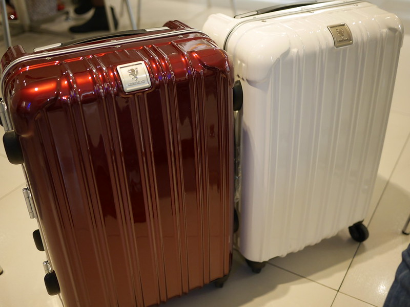 Legend Walker Suitcases. Photo by tsungyichen on www.flickr.com.